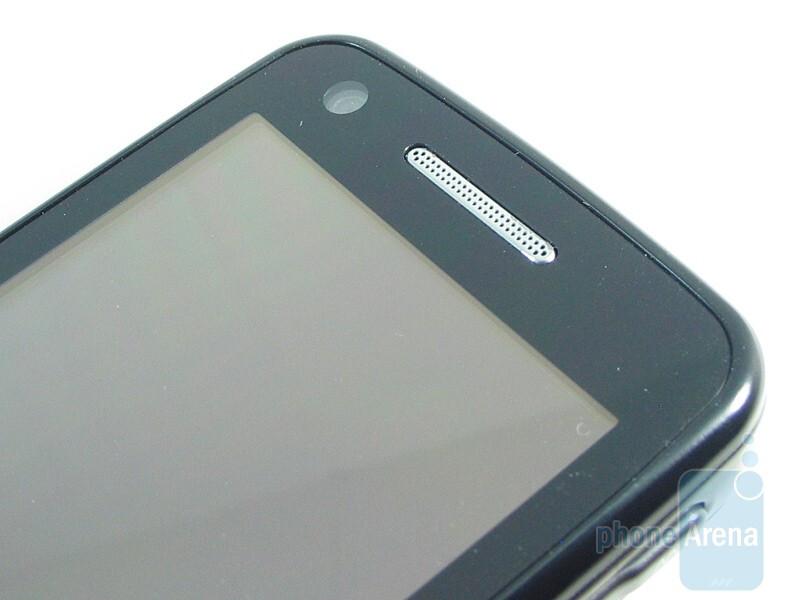Front facing camera - Samsung Pixon12 M8910 Review
