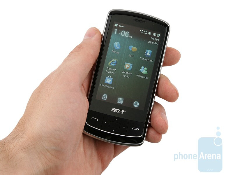 Acer beTouch E200 sports an austere and appealing overall design - Acer beTouch E200 Review
