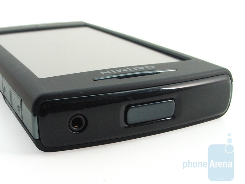 Top - Garmin nuvifone G60 Review
