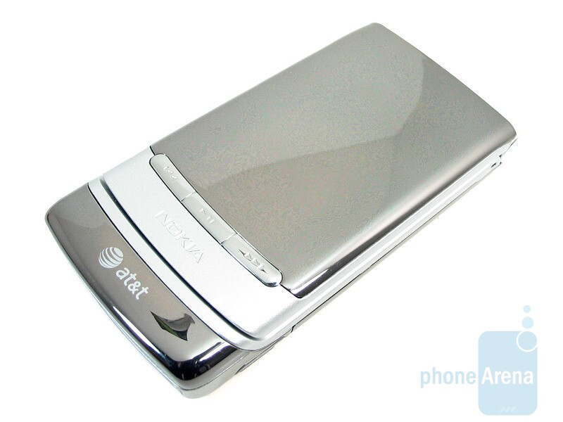 Music playback controls areunderneath the external display  - Nokia 6750 Mural Review