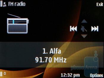 The radio - Nokia 6760 slide Review
