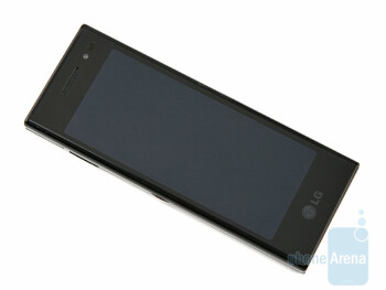 The 4-inch screen delivers amazing image quality - LG New Chocolate BL40 Review
