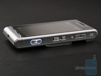 Right hand side - Sony Ericsson Satio Review