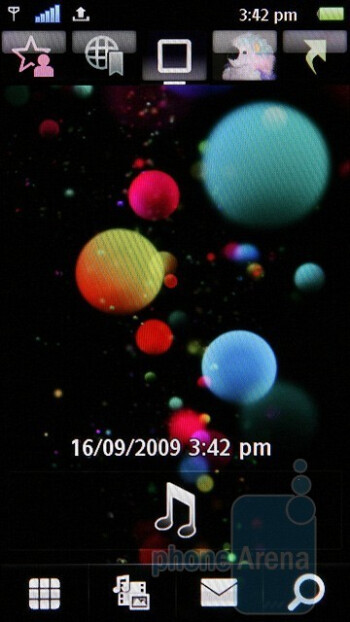Home screen - The StandBy theme of the Sony Ericsson Satio - Sony Ericsson Satio Review