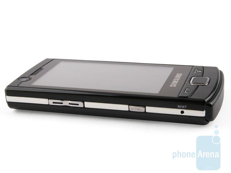 Left - Samsung OmniaLITE B7300 Review