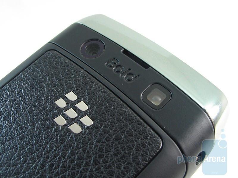 Back - The sides of the RIM BlackBerry Bold 9700 - RIM BlackBerry Bold 9700 Review