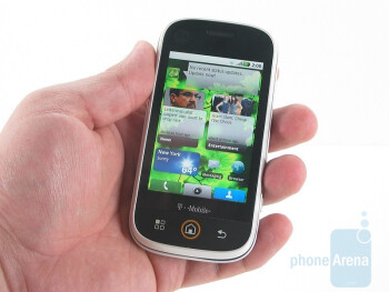 The Motorola CLIQ is designed for the younger generation - Motorola CLIQ Review