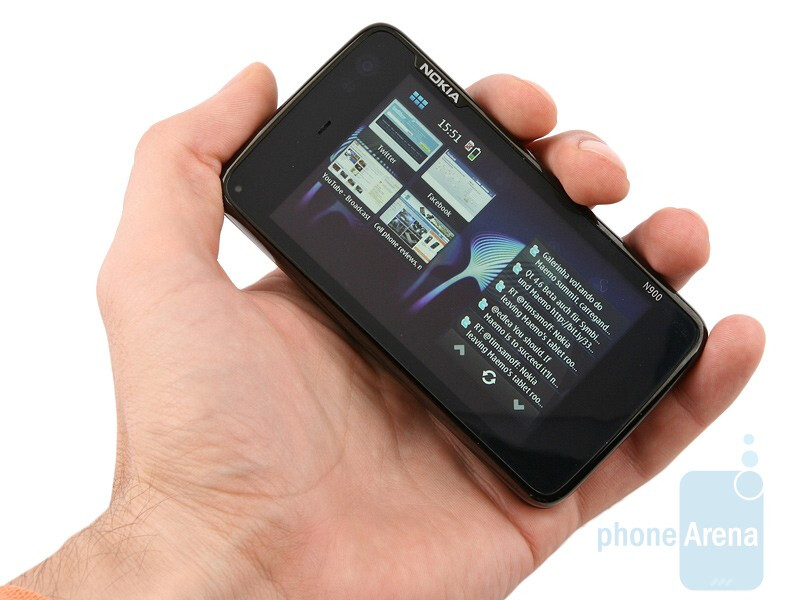 Nokia N900 feels solid and bulky - Nokia N900 Review