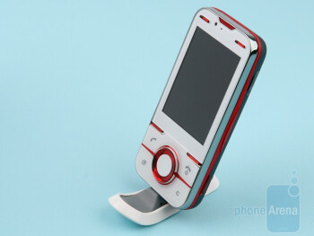 The Sony Ericsson Yari comes with a stand - Sony Ericsson Yari Review