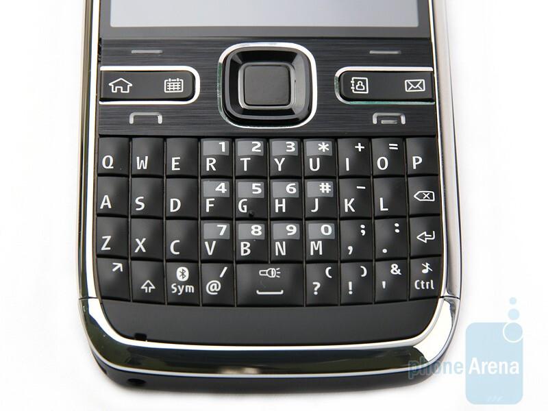 The Nokia E72 retains the excellent keyboard of the E71 - Nokia E72 Review