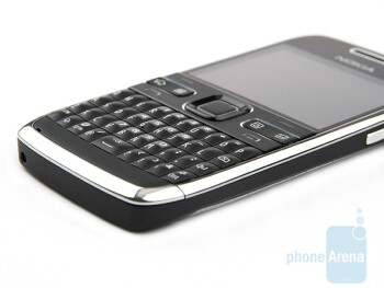 The Nokia E72 retains the excellent keyboard of the E71 - Nokia E72 Review