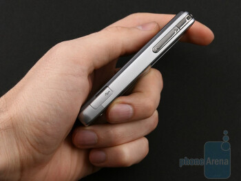The LG Pop GD510 is the smallest device with 3-inch display - LG Pop GD510 Preview