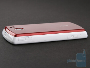 The right, the left and the top sides of the Acer beTouch E100 - Acer beTouch E100 Review