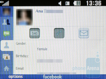 LG GW300 comes with a built-in Facebook app - LG GW300 Review