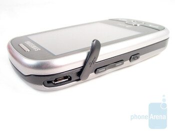 The standard microUSB port - Buttons on the sides - Samsung Flight A797 Review