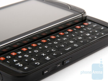 The Samsung OmniaPRO B7610 is equipped with full QWERTY keyboard - Samsung OmniaPRO B7610 Review