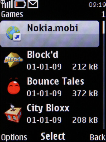 Several games come preinstalled on Nokia X3 - Nokia X3 Review