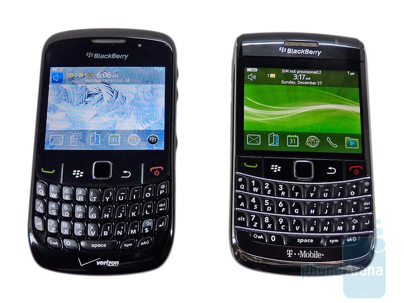 """Both the Curve 8530 (left) and Bold 9700 (right) feature a 2.4"""" display - RIM BlackBerry Bold 9700 and Curve 8530: side by side"""