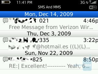 Messaging - RIM BlackBerry Bold 9700 and Curve 8530: side by side