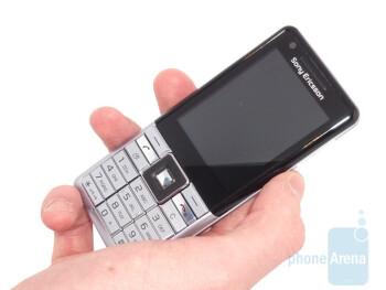 The Sony Ericsson Naite looks sleek - Sony Ericsson Naite Review