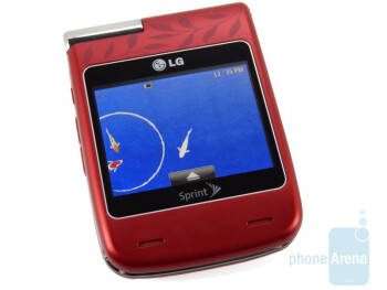 """Both inner and outer screens are 2.4"""" - LG Lotus Elite Review"""
