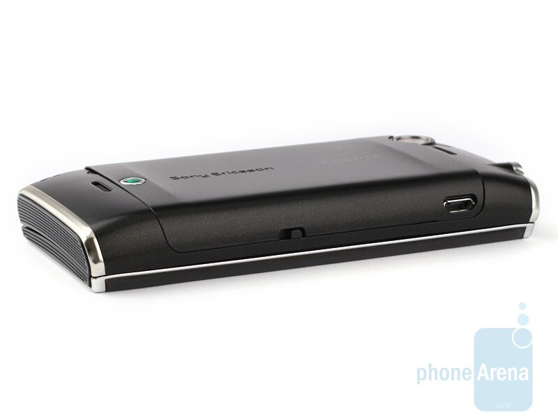 The sides of the Sony Ericsson Xperia X2 - The 3.5mm jack and stylus compartment are on the top - Sony Ericsson Xperia X2 Review