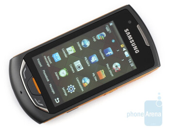 The display registerseven the slightest touch - Samsung Monte S5620 Preview