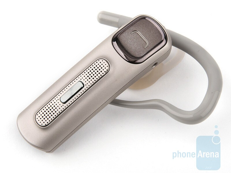 The housing of the Nokia BH-607 is made from plastic - Nokia Bluetooth Headset BH-607 Review