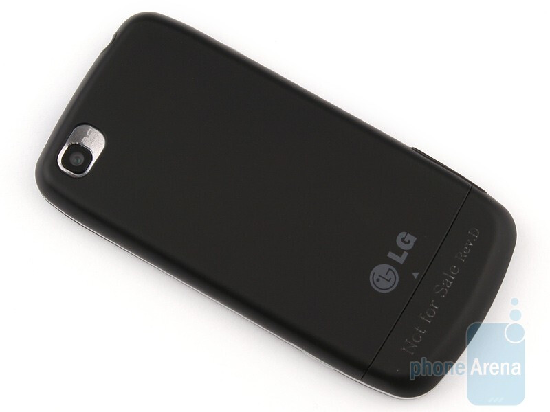 The LG Cookie Plus GS500 is made from plastics that feels pretty pleasant to touch - LG Cookie Plus GS500 Preview