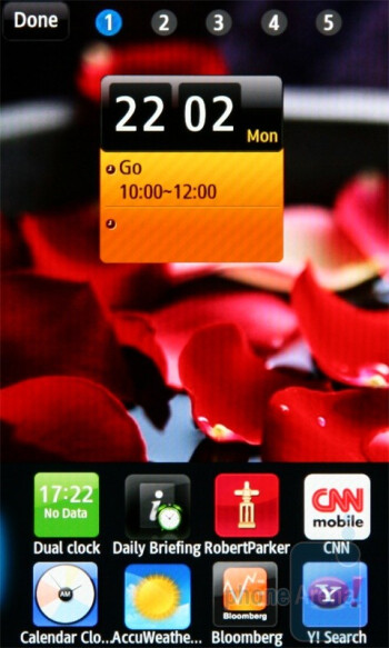 Widgets are in a fieldat the bottom of the screen - Samsung Wave S8500 Preview