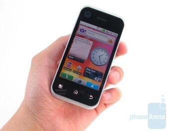 The Motorola BACKFLIP is compact and comfortable when holding in the hand - Motorola BACKFLIP Review