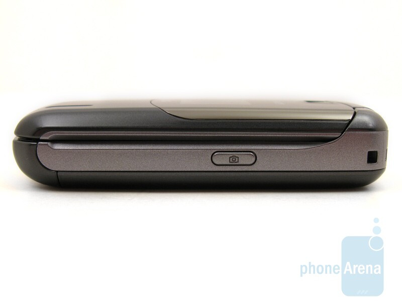 The sides of the LG Accolade VX5600 - LG Accolade VX5600 Review