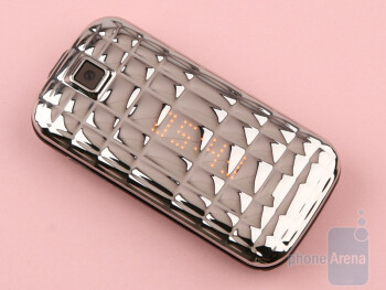 The Samsung Diva folder S5150 is known as the ''shinier one in the new Diva Collection 2010'' - Samsung Diva folder S5150 Review