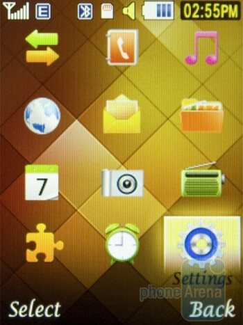 The home screen and main menu themes of Samsung Diva folder S5150 - Samsung Diva folder S5150 Review