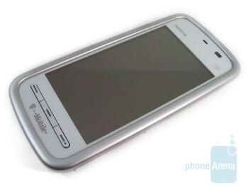 "The resistive 3.2"" LCD touchscreen - Nokia Nuron 5230 Review"