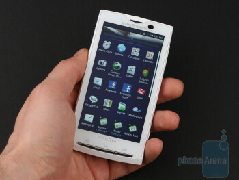 Sony Ericsson Xperia X10 fits well in hand - Sony Ericsson Xperia X10 Review