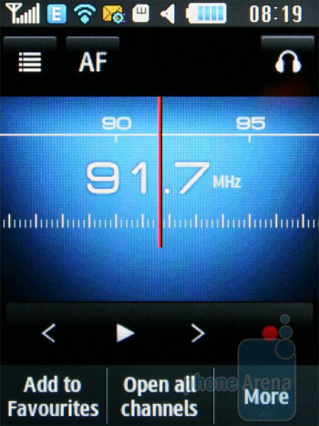 FM radio - The music player - Samsung Ch@t B3410W Review