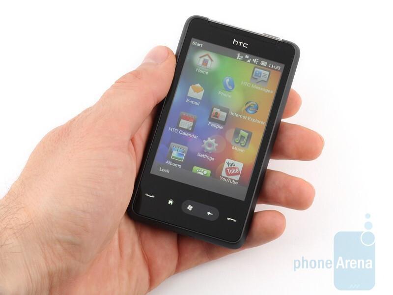HTC HD mini is pretty compact - HTC HD mini Review