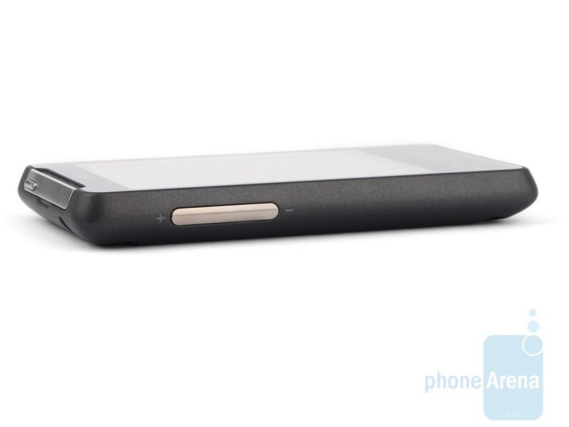 The sides of HTC HD mini - HTC HD mini Review
