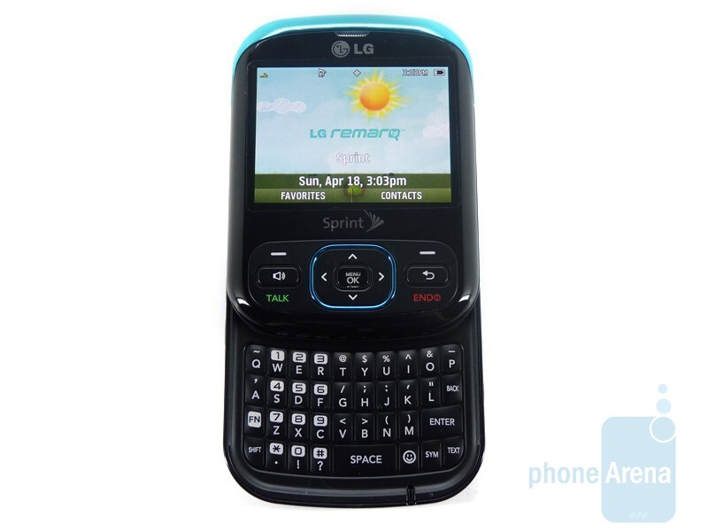 The full QWERTY keyboard of the LG Remarq LN240 - LG Remarq LN240 Review