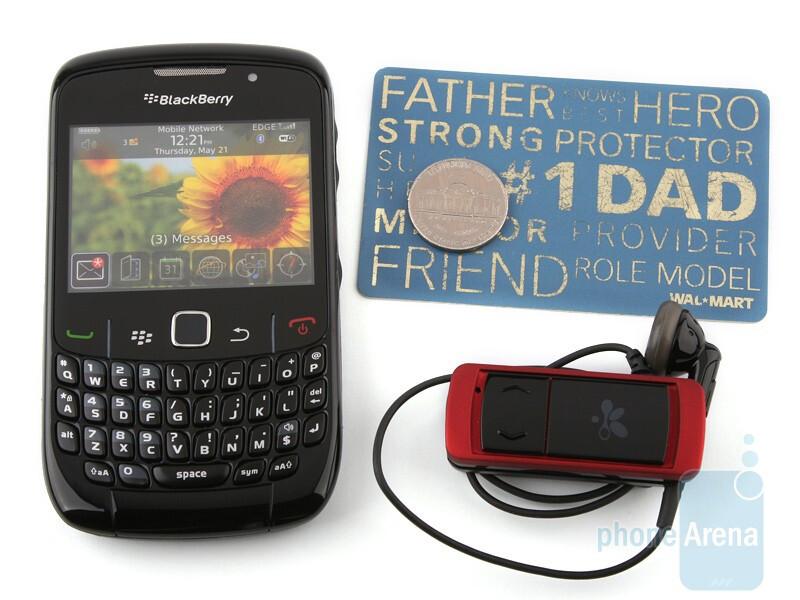 Next tothe RIM BlackBerry Curve 8520 - i.Tech VoiceClip 308 has an offbeat design - i.Tech VoiceClip 308 Review