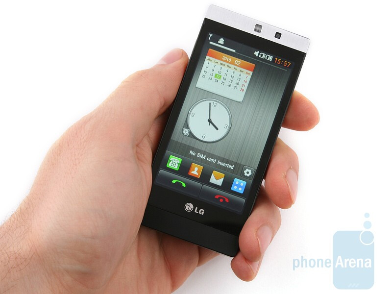 The LG Mini GD880 feels awesome in your hand - LG Mini GD880 Review
