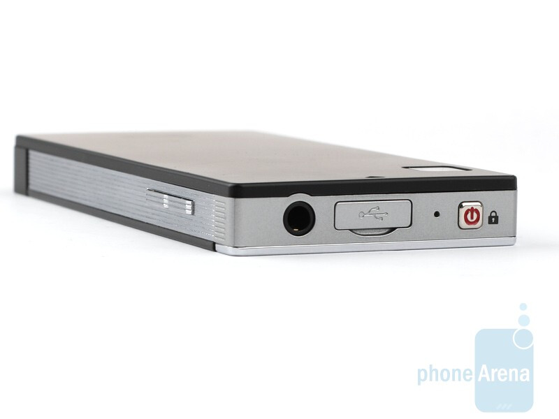 The sides of the LG Mini GD880 - LG Mini GD880 Review