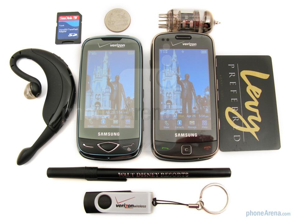 The Samsung Reality U820 (left) and the Samsung Rogue U960 (right) - Samsung Reality U820 Review