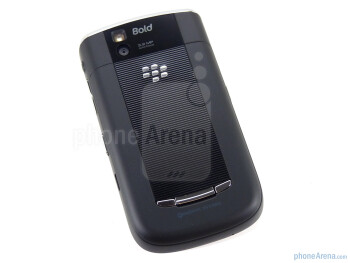The RIM BlackBerry Bold 9650 follows the design cues of the Tour - RIM BlackBerry Bold 9650 Review
