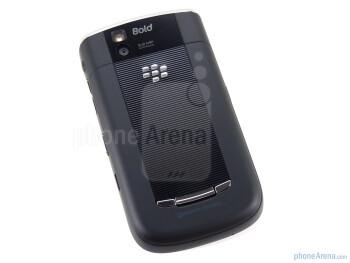 The RIM BlackBerry Bold 9650 follows the design cues of the Tour - RIM BlackBerry Bold 9650 Review