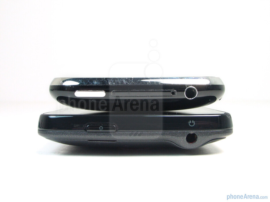 Apple iPhone 3GS (top),HTC EVO 4G (bottom) - Apple iPhone 3GS and HTC EVO 4G: side by side