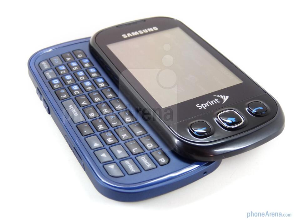 The Samsung Seek M350 has a full 4 row QWERTY keyboard - Samsung Seek M350 Review