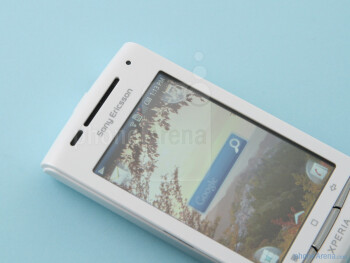 The sides of the Sony Ericsson Xperia X8 - Sony Ericsson Xperia X8 Preview