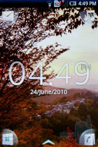 Home screen - The Sony Ericsson Xperia X8 has a neatly personalized software - Sony Ericsson Xperia X8 Preview